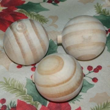 http://cortinadosluft.com.br/121-227-thickbox/bola-de-natal-de-madeira-cru-com-55-cm.jpg