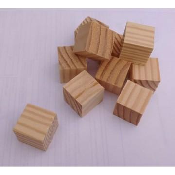 http://cortinadosluft.com.br/144-312-thickbox/cubos-de-madeira-mista-de-15-x-15-x-15-centimetros-chaveiros-jogos-infantil-artesanato-em-madeira-decoupage.jpg