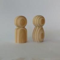 casal de boneco com 4,7 cm de altura
