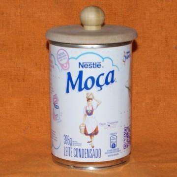http://cortinadosluft.com.br/51-109-thickbox/tampa-de-mdf-cru-com-puxador-para-leite-moca-abre-facil-395g.jpg